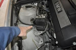 BMW E39 ABSの場所