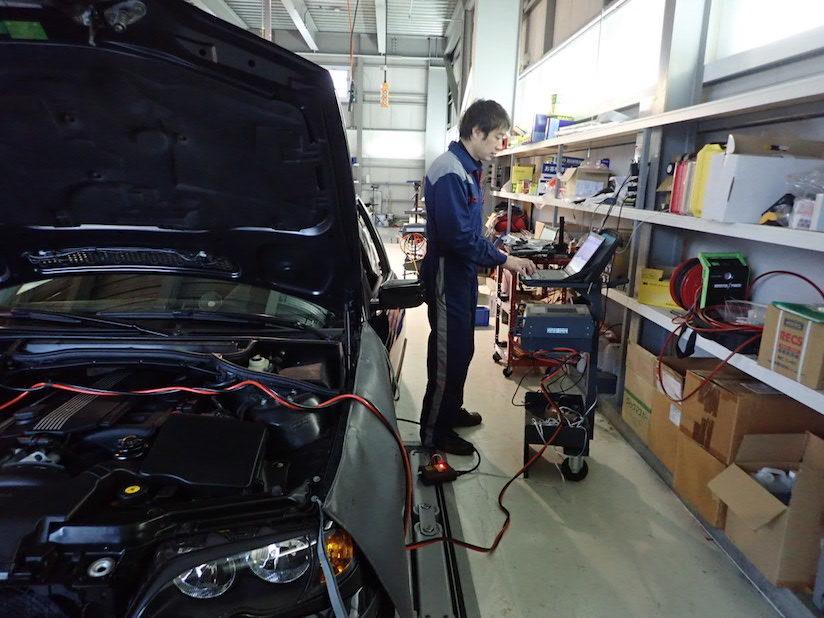 BMW E46後期モデル ASCユニット交換作業 2018-12-27