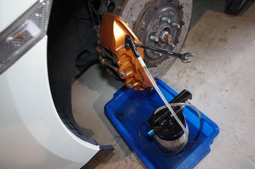 GTR ブレーキエア抜き