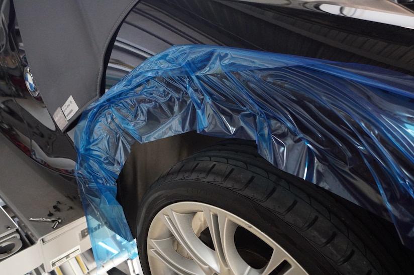 BMW Z4 タイヤハウス写真