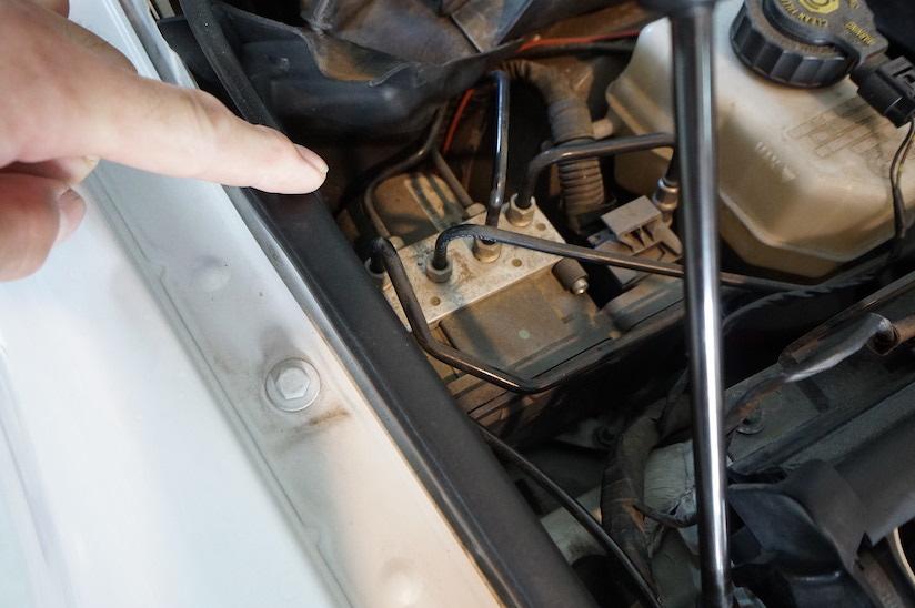BMW E91 335i ABS修理