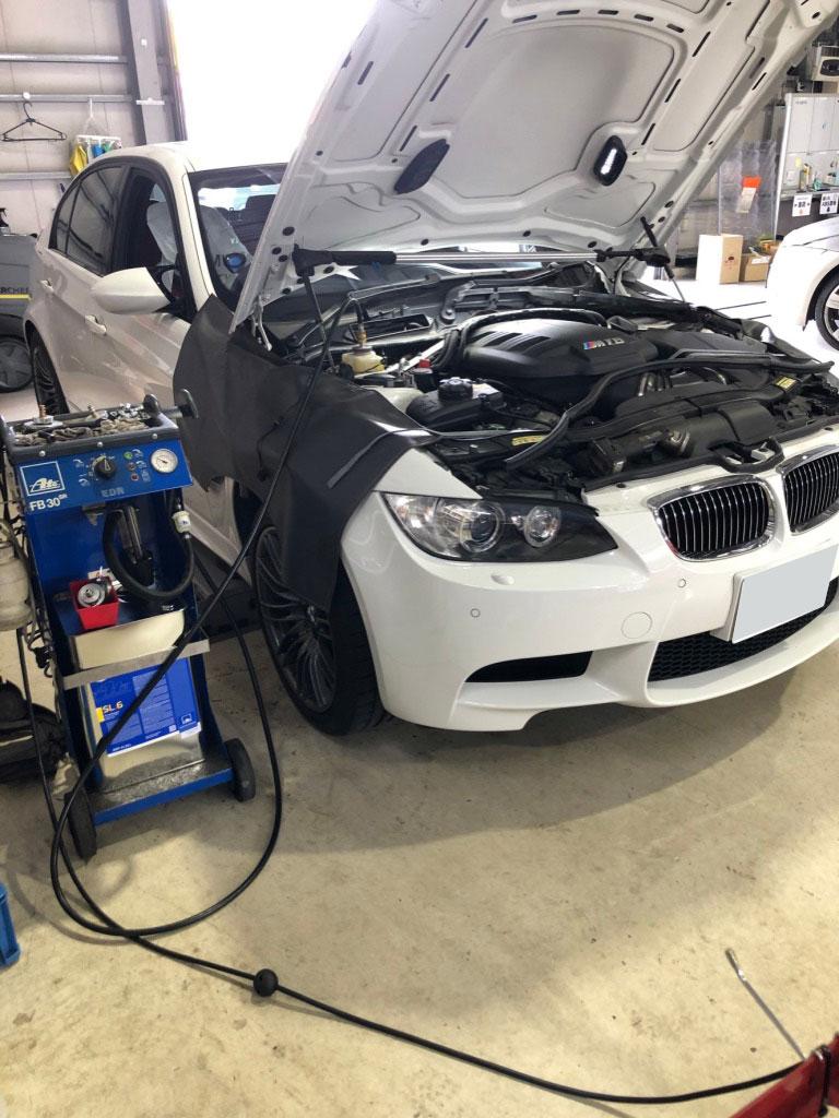 BMWエアぬき作業